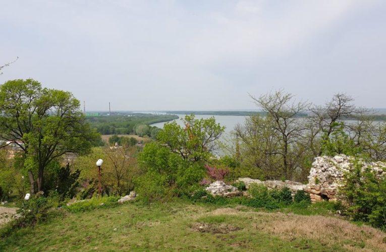 """Променят изцяло облика на парк """"Калето"""" в Свищов"""