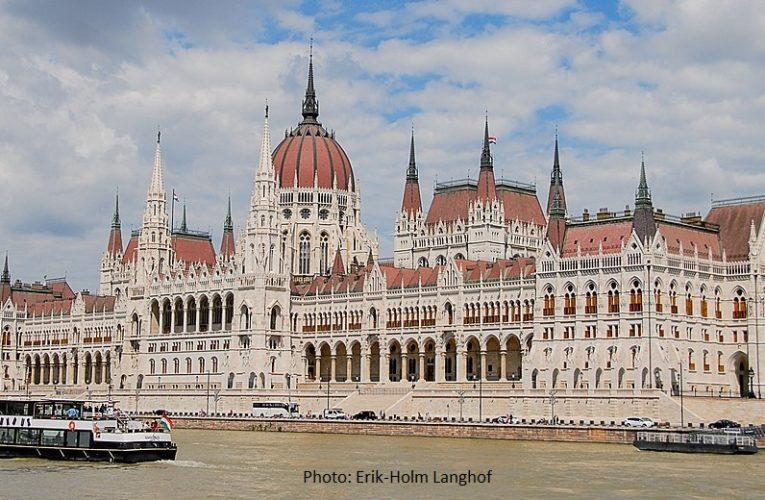 Унгария удължи срока на затворени граници