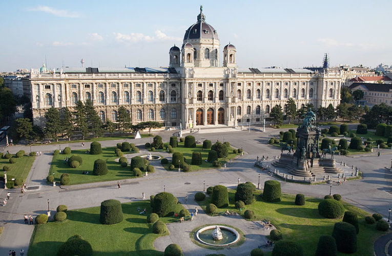 Виена раздава 40 млн. евро за ресторанти