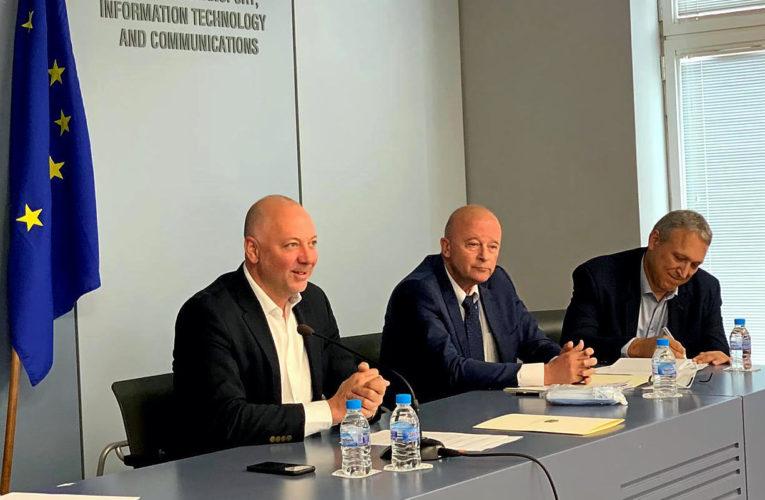 Министър Желязков обсъди с браншови организации сухопътния транспорт