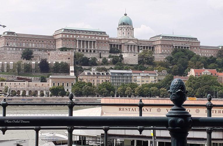 Унгария отново затваря границите си