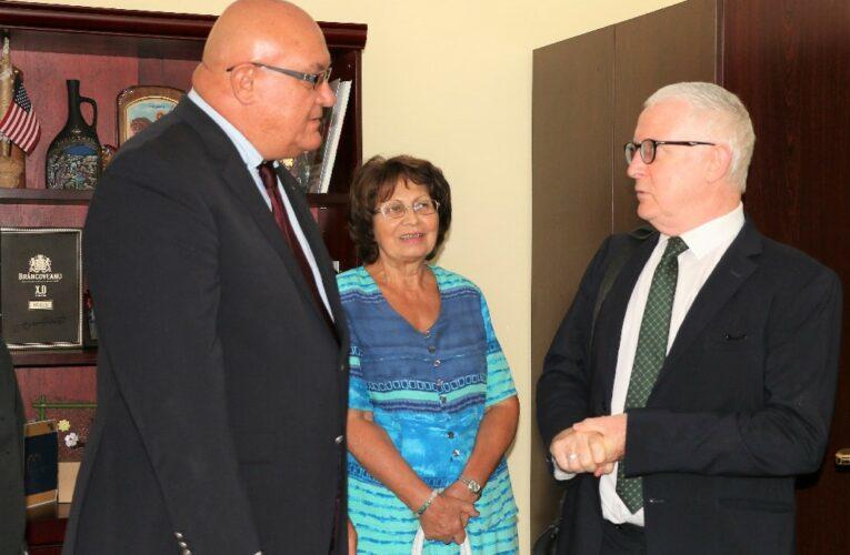 Посланикът на Ирландия на посещение във Видин