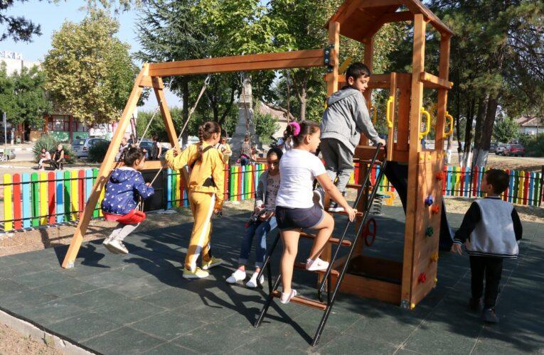 Нова детска площадка в Дунавци