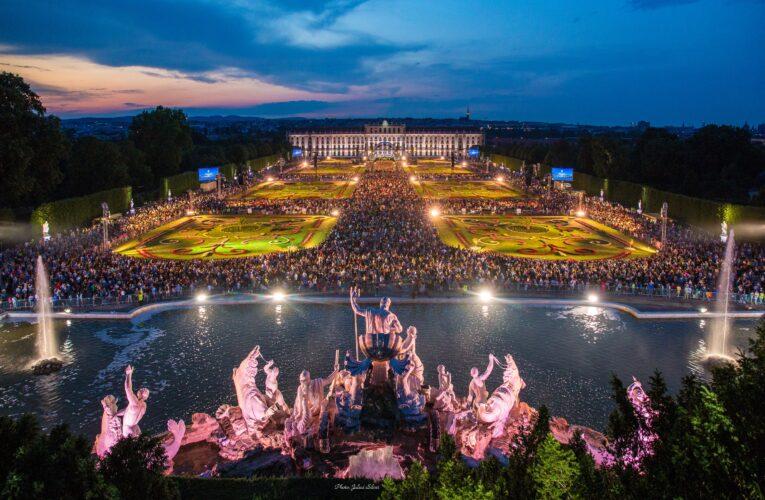 """Виенската филхармония с """"Концерт в лятна нощ"""""""