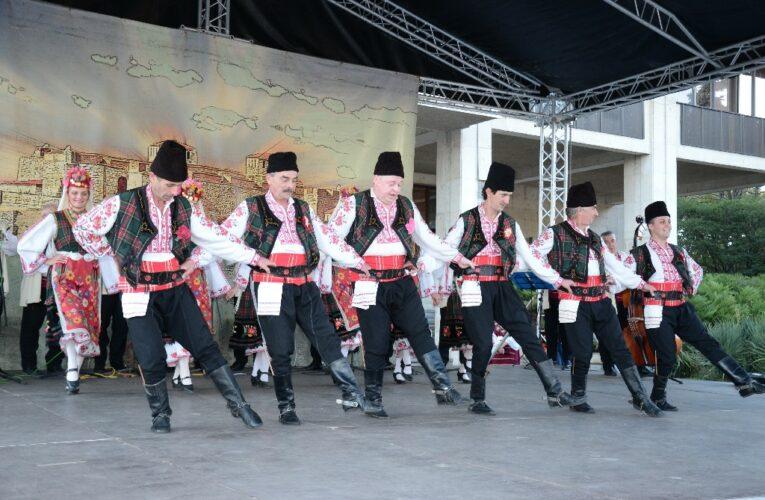 Димитровден във Видин започна с музика, песни и танци