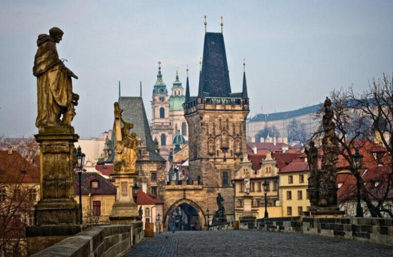 Чехия затяга мерките