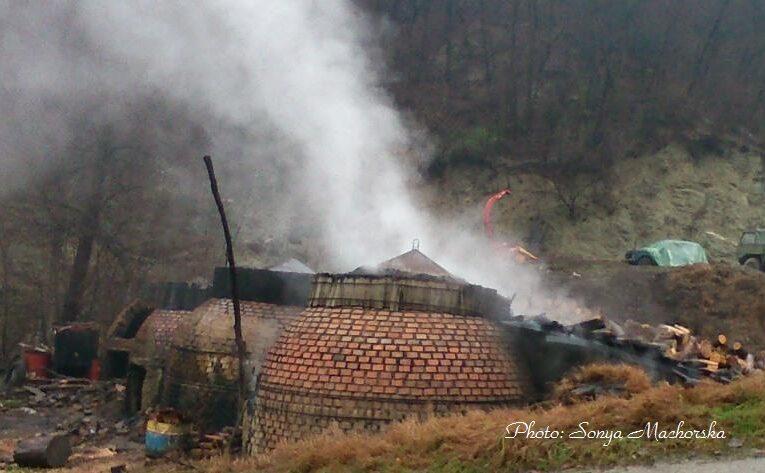 Черните дървени въглища