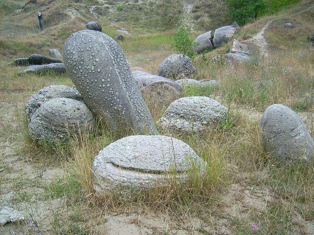 Живите камъни в Румъния