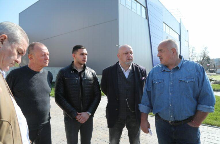 Разхлабват поетапно мерките в България