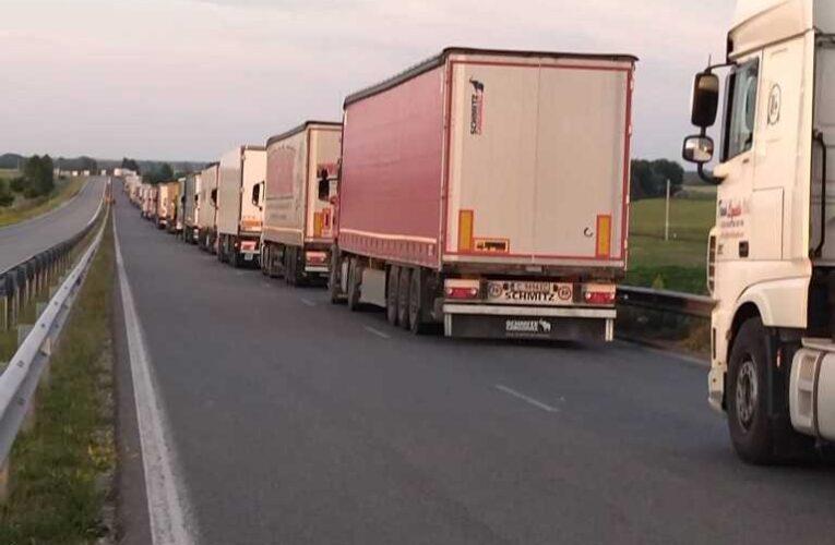"""Натоварен трафик на Дунав мост Видин-Калафат и ГКПП """"Кулата"""""""
