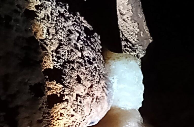 Пещерата с оникса – една от най-красивите в България