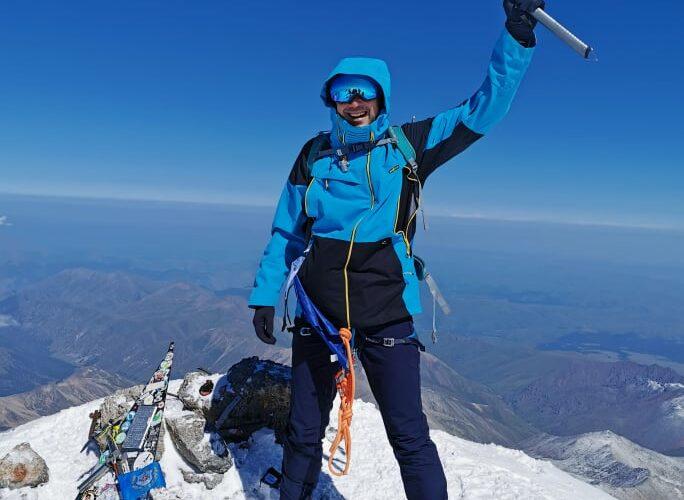 Видински алпинист на върха на Европа